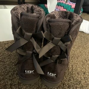 Women's Ugg Short Bailey Bow
